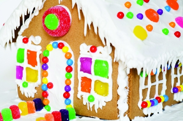 Gingerbread House Decorating at the Yacht Club Ballroom