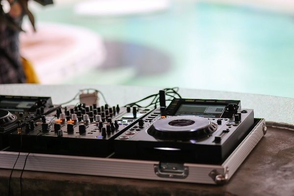 Bahama Billy DJ Set at Tower Pool