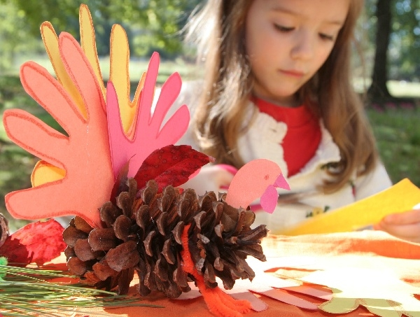 Thanksgiving Crafts in the Jungle Kids Club